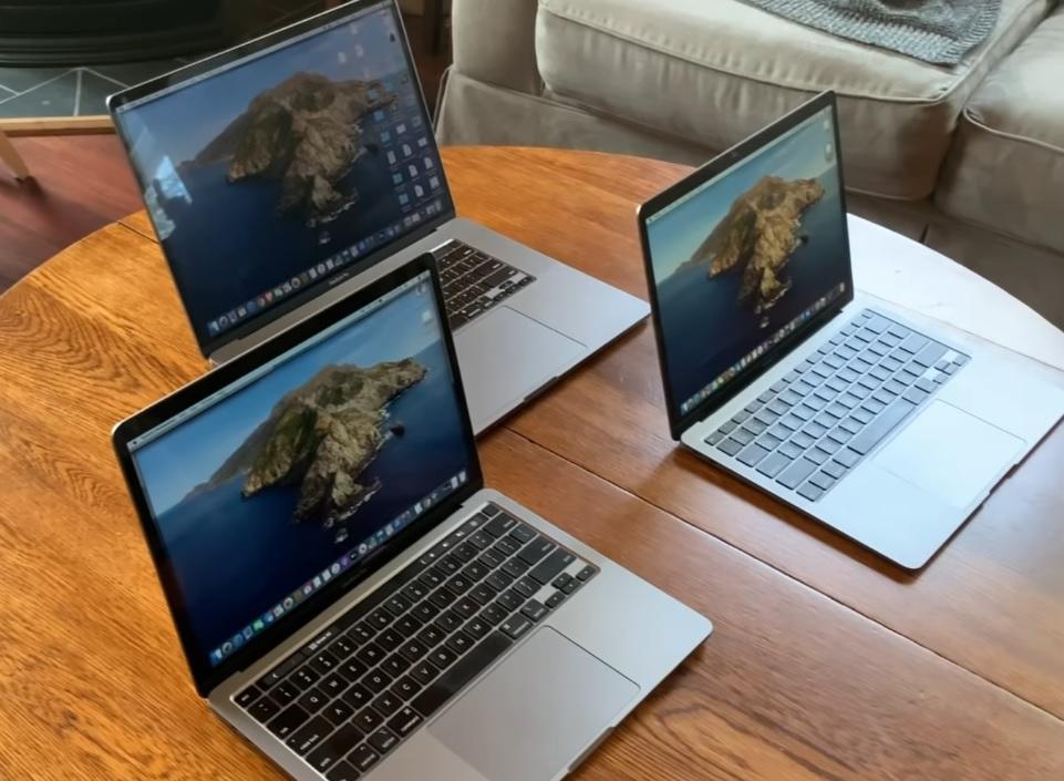 MacBook Air or MacBook Pro (13 inch)